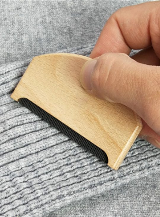 Wooden Style Lint Remover
